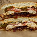 señor special with grilled chicken, bacon, caramelized onion, tomato, cheese, jalapeños,chipotle