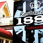 Restaurant 1888 specializes in traditional English food