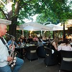 Music, romantic atmosphere and good food