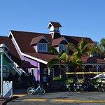 Shoreline Village resmi