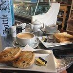 Battle Deli & Coffee Shop Foto