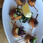 Bacon wrapped scallops with bacon and onion compote