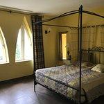 Hostellerie Chateau des Fines Roches Photo