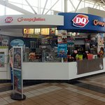 DQ/ Dairy Queen kiosk at the Lake Forest Oasis on the Tri-State Tollway (I-294)