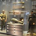 oorlogsmateriaal en uniformen