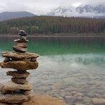 Foto di Pyramid and Patricia Lakes