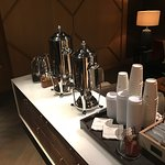 Free tea and coffee every morning in the lobby