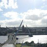 Peace bridge ภาพถ่าย