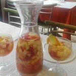 Sangria de vinho Branco Espumante/ Sparkling White wine Sangria.
