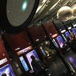 sistema solar con pantallas educativas