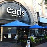Earls, Victoria