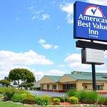 Americas Best Value Inn- Stuttgart