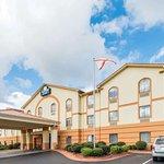 Days Inn & Suites by Wyndham Prattville-Montgomery