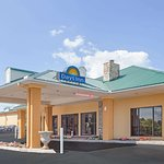 Days Inn by Wyndham Lenoir City