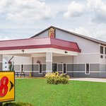 Super 8 by Wyndham Shipshewana