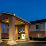 Super 8 by Wyndham Frankfort in