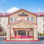 Comfort Inn & Suites at Stone Mountain