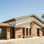 Super 8 by Wyndham Fergus Falls
