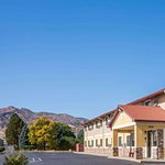 Super 8 by Wyndham Canon City