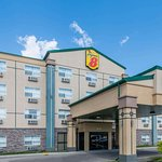 Super 8 by Wyndham Red Deer City Centre