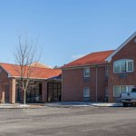 Days Inn & Suites by Wyndham Lancaster Amish Country