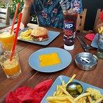 Foto OX Wine & Burger Bar