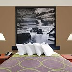 Super 8 by Wyndham Ithaca