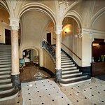 George Hotel