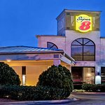 Super 8 by Wyndham Huntersville/Charlotte Area