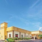 Days Inn & Suites by Wyndham Bartlesville