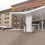 La Quinta Inn & Suites Cleveland - Airport North