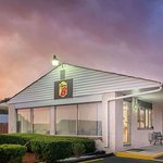 Super 8 by Wyndham Centerville-Richmond