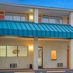 北卡羅來納州加斯托尼亞速 8 飯店