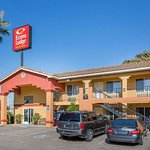 Econo Lodge & Suites Lodi