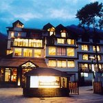 Quality Inn & Suites River Country Resort hotel in Manali, India