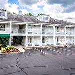 Quality Inn hotel in Cheraw, SC