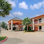 Super 8 by Wyndham Galveston
