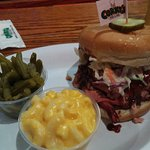 Pulled pork (and slaw) sandwich w/green beans and mac & cheese