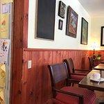 Intérieur du Café avec présentation de dessins d'enfants!