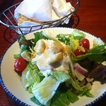 Starter green salad with cheddar biscuits