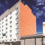 La Quinta Inn & Suites Brooklyn Central