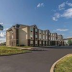 La Quinta Inn & Suites Collinsville - St. Louis