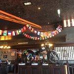 Tout nouveau à polygone cette brasserie pub offre divers plats Des Burgers Des salades multitude
