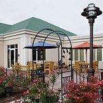 尚佩恩/厄巴納希爾頓花園酒店