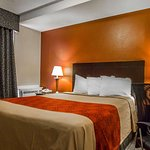 Econo Lodge Inn & Suites Old Saybrook