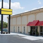 Super 8 by Wyndham Greensboro