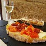 Foto di La bruschetteria pane e pomodoro