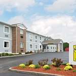 Super 8 by Wyndham Lexington Winchester Rd