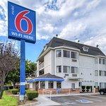 Motel 6 Escondido