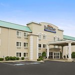 Welcome to the Baymont Inn & Suites HaubstadtEvansville North